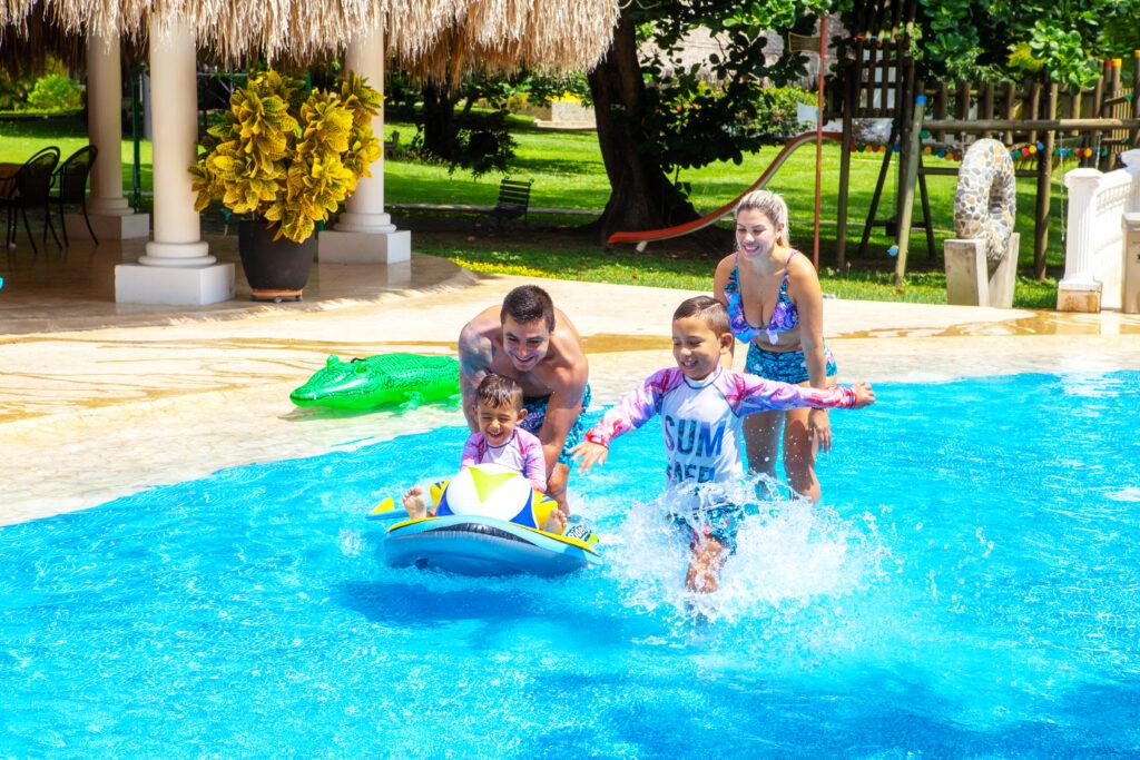 Descanso en familia Hotel Iguana de Santa Fe